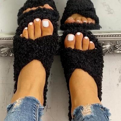 Solid Fluffy Crisscross Design Flat Sandals_4