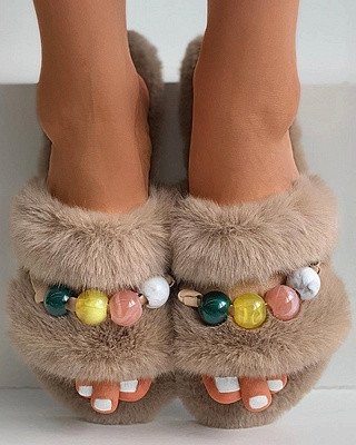 Colorblock Beaded Fluffy Slippers_4