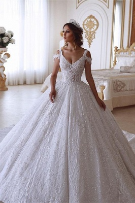 Glamorous Ball Gown V-neck Cold-Shoulder Lace Wedding Dress with Beadings_1