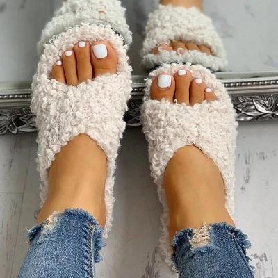 Solid Fluffy Crisscross Design Flat Sandals_1