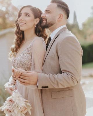 Elegant Floor Length Lace Tulle V Neck Wedding Gowns_2