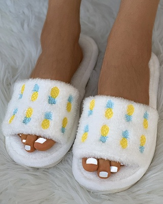 Pineapple Strawberry Pattern Fluffy Slippers_7