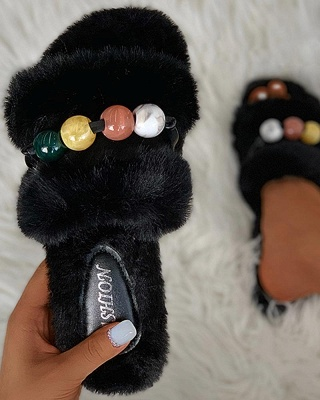 Colorblock Beaded Fluffy Slippers_10