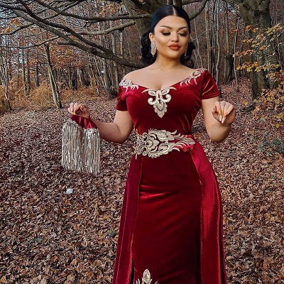 Sexy Floor Length Off the Shoulder Gold Lace Velvet Red Prom Dresses_3
