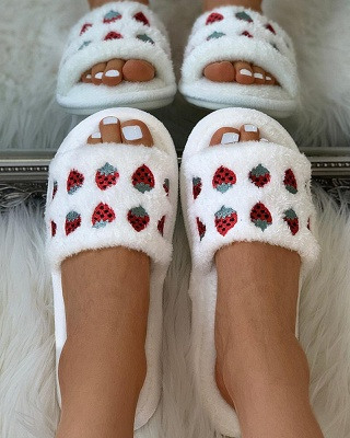 Pineapple Strawberry Pattern Fluffy Slippers_11