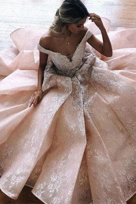 Luxury Off-the-Shoulder V-neck Lace Tulle Wedding Dress with Ruffles