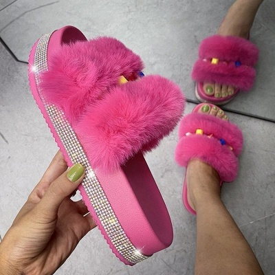 Colorblock Beaded Fluffy Slippers_3