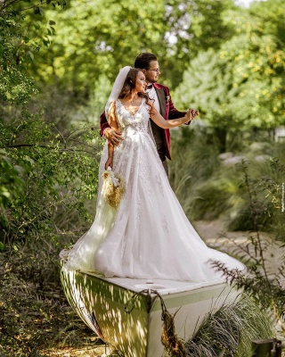 A Line V neck Lace White Wedding Dresses_3
