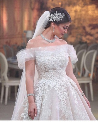 Modern Off-Shoulder Tulle Lace Sleeveless Wedding Dress_3