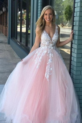 Sexy Deep-V-Neck Tulle Lace Prom Dress_1