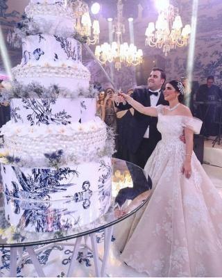 Modern Off-Shoulder Tulle Lace Sleeveless Wedding Dress_2