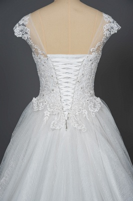 Graceful Tulle Lace Beading A-Line Wedding Dresses With Appliques_4