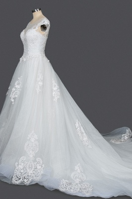 Graceful Tulle Lace Beading A-Line Wedding Dresses With Appliques_3