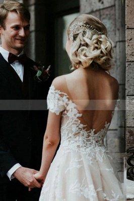 Princess Off Shoulder Floral Lace White Bridal Gowns_5