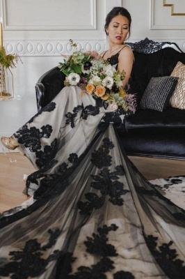 Chic Spaghetti Straps Black Lace Wedding Dresses Mermaid