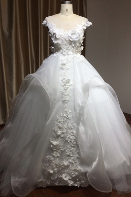 Gorgeous Tulle Sleeveless Beading Wedding Dresses With Lace Appliques