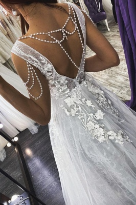 Sexy V-Neck Floral Lace Sleeveless A Line Wedding Dresses_2