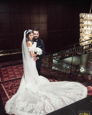 Elegant Off The Shoulder White Lace Appliques Mermaid Wedding Dresses_2