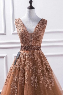 Luxury Sleeveless V Neck Tulle Camel Prom Dresses With Lace Appliques_3