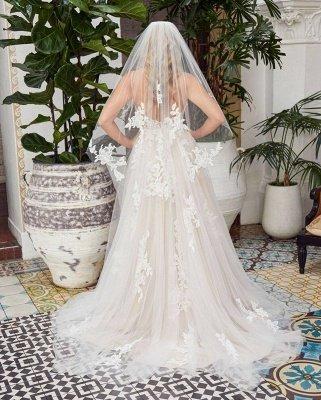 Glamorous Spaghetti Straps Backless Lace Wedding Dresses Floor-length_2