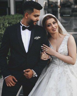 Gorgeous Sleeveless V Neck Lace Appliques Wedding Dresses Long_4