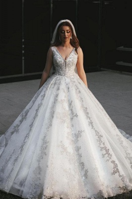 Gorgeous Sleeveless V Neck Lace Appliques Wedding Dresses Long
