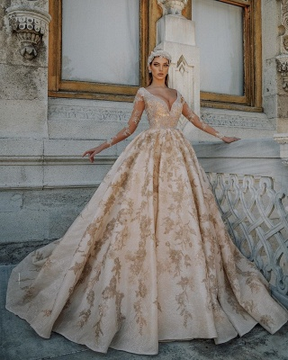 Gorgeous Long Sleeve Plunging V Neck Crystal Sheer Ball Gown Wedding Dresses With Gold Applique_2