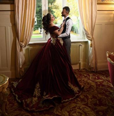 Luxury Off The Shoulder Red Velvet Prom Dresses Lace Ruffles Evening Dresses_6