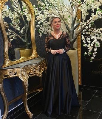 Elegant Long Sleeve V Neck Floor Length A Line Prom Dresses_4