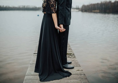 Glamorous Off The Shoulder Black Chiffon Lace Prom Dresses With Half Sleeves_5