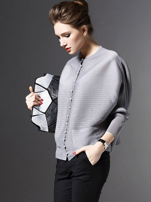 Crew Neck Pockets Buttoned Pleated Coat_3