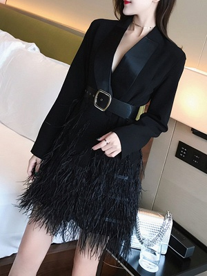 Black Statement Solid Paneled Plunging neck Coats_4