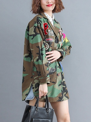 Green Paneled Shift Pockets Buttoned Patch Printed Color-block Coat_7