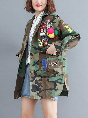 Green Paneled Shift Pockets Buttoned Patch Printed Color-block Coat_3