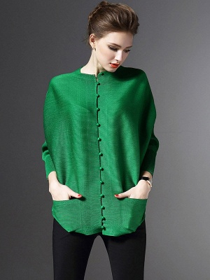 Crew Neck Pockets Buttoned Pleated Coat_4