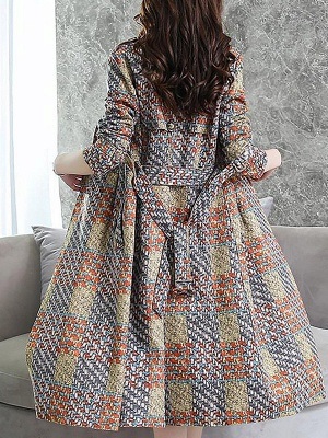 Multicolor Long Sleeve Lapel Buttoned Pockets Printed Paneled Coat_3