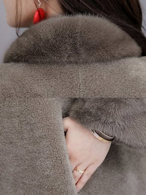 Buttoned Long Sleeve Solid Fur And Shearling Coats_10