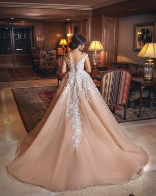 Appliques Tulle Lace A-Line Gorgeous Off-the-shoulder Wedding Gowns_3