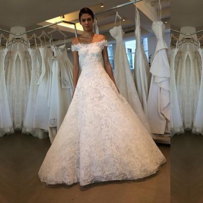 Modern Lace Off-the-shoulder A-line Wedding Dress_3
