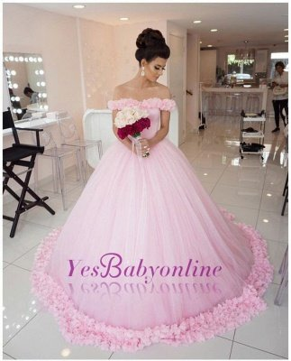 Chic Off-The-Shoulder Ball Gown Prom Dresses with Flowers | Stylish Quinceanera Dresses_1