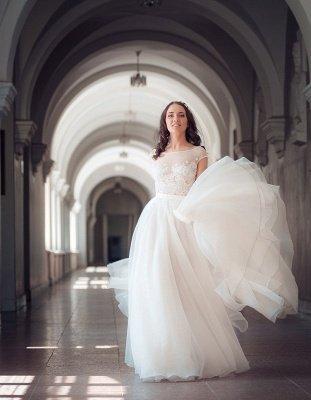 Cap-Sleeve Lace Tulle Split Glamorous Sweep Train Wedding Dress_4