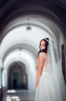 Cap-Sleeve Lace Tulle Split Glamorous Sweep Train Wedding Dress_3