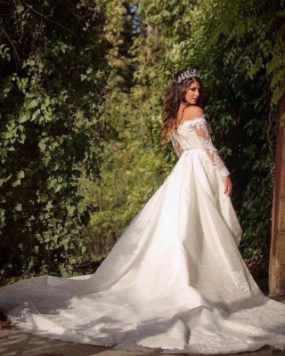 Beautiful Off-the-Shoulder Long Sleeves Lace Princess Wedding Dress_5