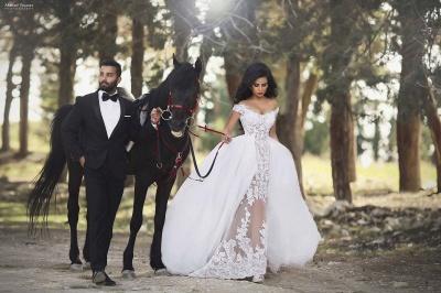 Sexy Cap Sleeve V Neck Lace Detachable Train Sheath Wedding Dresses_3