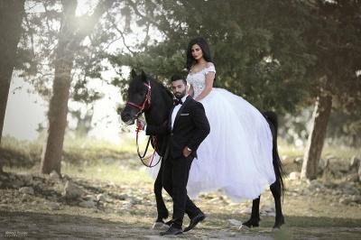 Sexy Cap Sleeve V Neck Lace Detachable Train Sheath Wedding Dresses_4