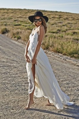 Simple Style Spaghetti Strap V Neck Lace A Line Summer Beach Wedding Dresses_3