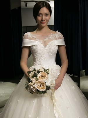 Exquisite Cap-Sleeves Scoop Puffy Cathedral Train Lace-Applique  Wedding Dresses_5