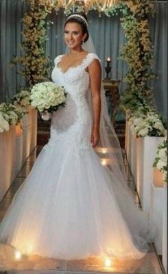 Timeless White Mermaid V-Neck Lace Appliques Wedding Dress_1