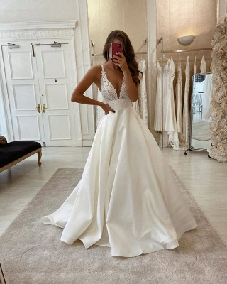 Sexy Straps Deep V Neck Backless Lace A Line Wedding Dresses_2