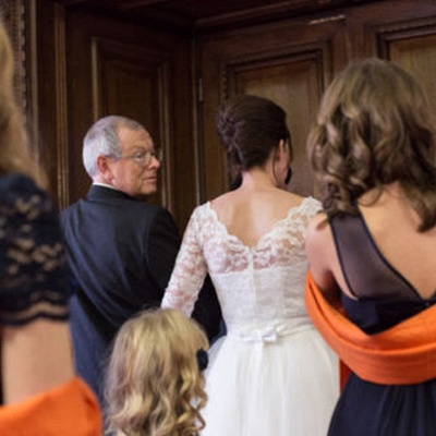 Charming Lace Designer Tulle Tea-Length Wedding Dress_3